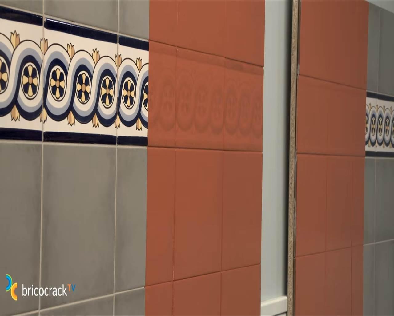 C mo renovar una pared azulejos con esmalte sint tico - Pintura para azulejo ...